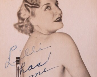 Signed 1930's Seductive Burlesque Star Promotional Photo - Free Shipping