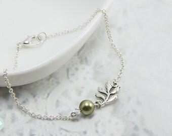 Leaf bracelet, silver bracelet, pearl bracelet, charm bracelet, leaf charm, chain bracelet, cute bracelet, friendship bracelet, silver chain