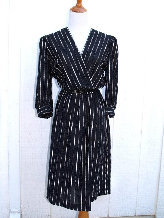 black and white wrap front secretary dress 1980 39 s medium