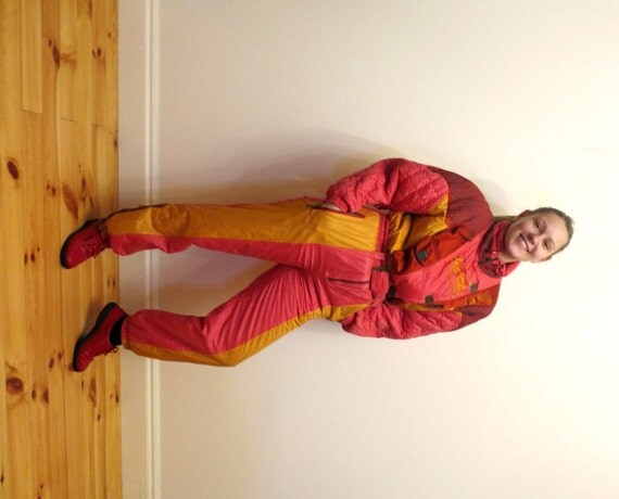 One piece vintage 90er jahre licht rot gelb retro skianzug - Hipster anzug ...