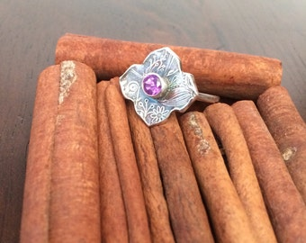 SUMMER SALE 40% Size 8 Moroccan Twilight hand stamped fine silver and gem stone ring