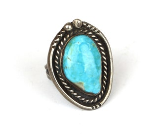 Vintage Navajo Turquoise and Sterling Silver Ring
