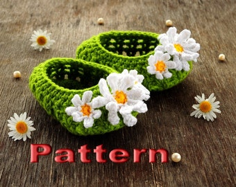 Crochet pattern Baby Booties with Daisies PDF - Instant Download