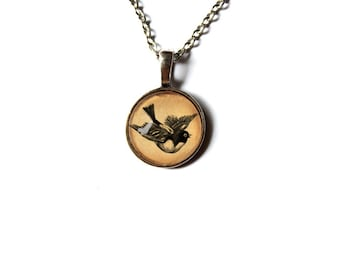 Cute little bird pendant animal art jewelry vintage look Antique style NW85