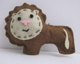 Golden Brown Lion Brooch Badge