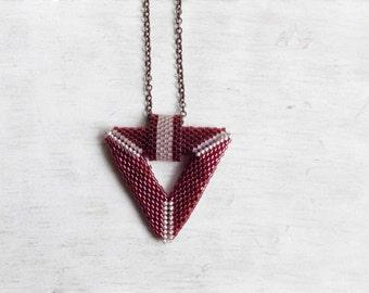 Miyuki Pendant // Miyuki Necklace // Miyuki Beads // Modern Necklace // Minimal Jewelry // Burgundy // Red // Triangle // Geometric Necklace