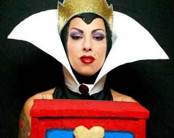 Evil Queen headress, collar and crown