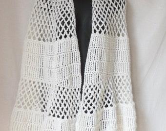 Vintage White Crocheted Fishnet Shawl Shrug Wrap Top Retro 60's Women's Size M/L Boho Hippie Hipster