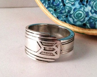 Vintage Spoon Ring, Size 9, Medality 1932