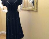 Vintage 40s Noir Black Dress. Black Crepe de Chine Bias Cut. Peekaboo Design Feature. 1940s Midi. Retro Day Dress. Amazing Silhouette. S M