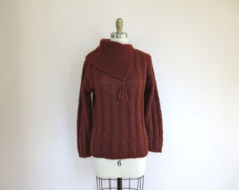 Vintage sweater // Rust Red Chunky Cable Knit