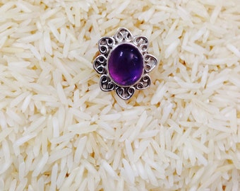 Amethyst ring set in sterling silver.Genuine natural oval amethyst stone.