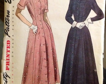 Simplicity 2727 - 1940s Princess Seamed and Button Front Dress with Detachable Pointed or Peter Pan Collar and Cuffs - Size 14