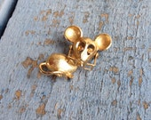 Vintage Mouse Brooch Avon Movable Glasses