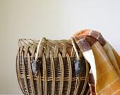 Vintage wicker basket/ rustic rope handles/ leather trim/ large shopping basket/ decorative storage basket/ suitable for picnics