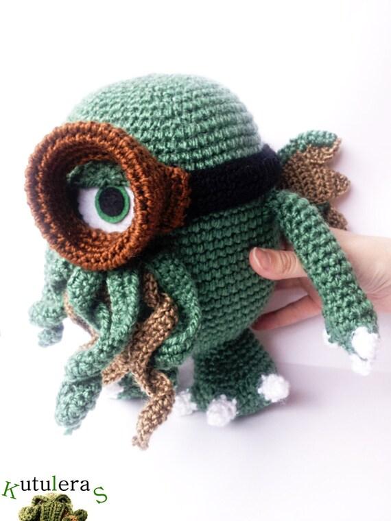 Cthulhu minion/ Cthulhu plush / Minions / Cthulhu toy / Mashup plush / Hp Lovecraft / Lovecraft Mythos / Call of cthulhu / 9'' inches / by Kutuleras