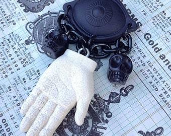Esmeralda Palm Reader Gypsy Brooch - Vintage Inspired -Resin Hand Cast Handmade - Novelty Brooch Pin - Thing Addams Family