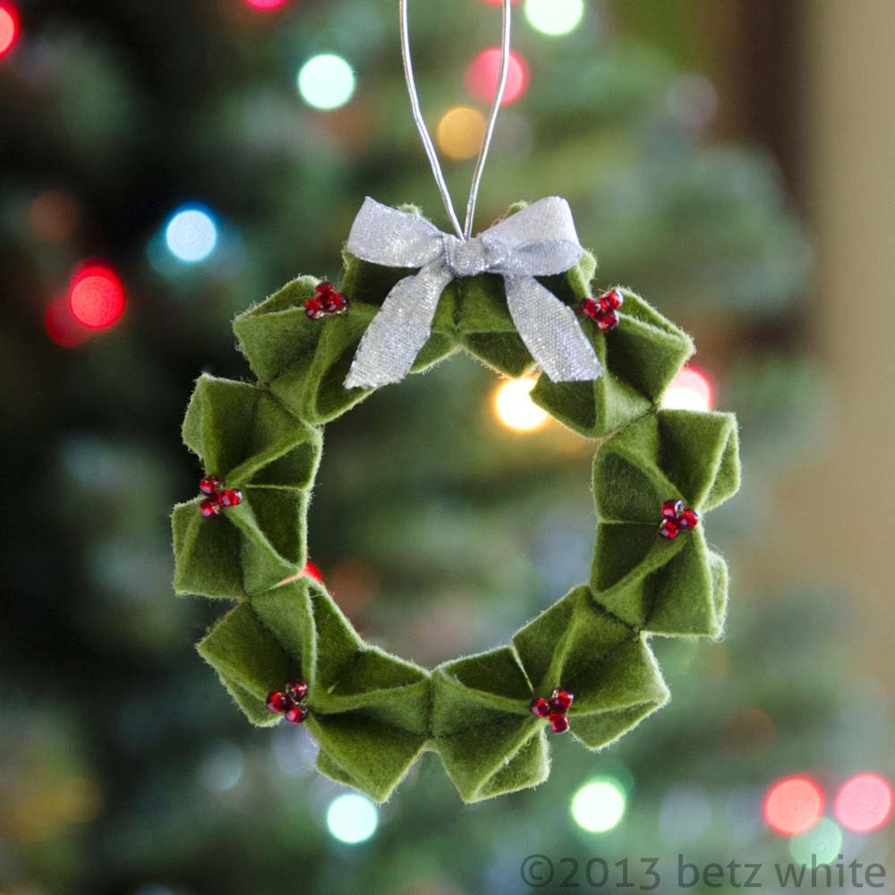 Folded Fabric Christmas Ornaments Patterns -  zoom