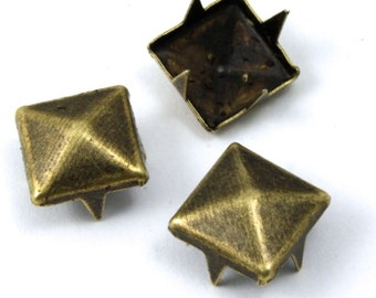 9mm Antique Brass Square Pyramid Stud (20 Pcs) #1660