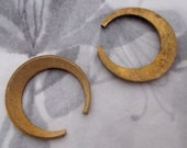 6 pcs. raw brass casted crescent flat back findings signed kim 23mm - f4303