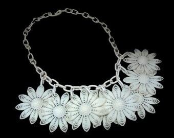 1930's Art Deco Celluloid Chain Necklace Daisies Flowers