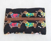 Tissue Holder Quilted - Dachshunds with sweaters