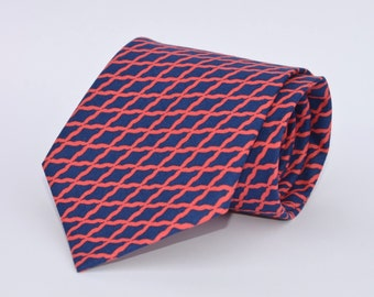 Men's Necktie in Navy Blue and Coral Lattice