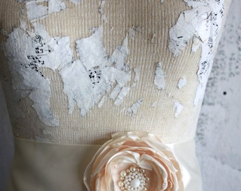 Bridal sash, Ivory and cream wedding dress sash, Cream and ivory fabric flower dress sash
