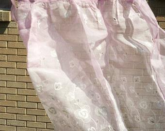 Vintage / Half Apron / Hostess / Pink