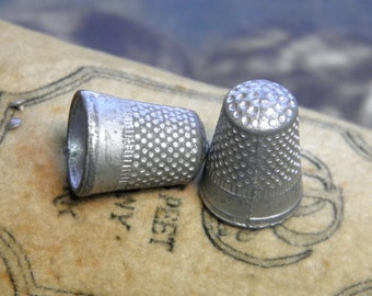 Vintage Monopoly Thimbles Metal Game Pieces