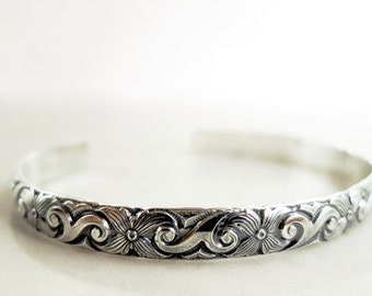 Sterling Silver cuff bracelet, Floral pattern, antiqued, stackable