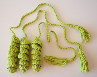Bookworms in crochet, party favor - Set of 3 in lime green