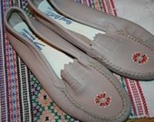 vintage new Handy Laced A. Guilmax  Moccasins size  7 and a half  narrow new old stock shoes beige