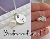 Discount bridesmaid jewelry, Set of SEVEN 7, personalized bridesmaids necklaces, custom initial necklace, pearl necklaces, gift set