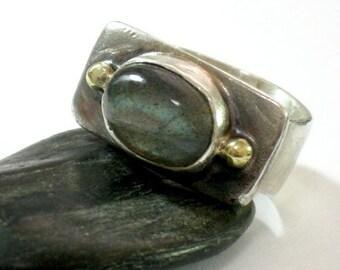 Silver Labradorite Ring, Labradorite Ring, Sterling Silver Ring, Silver Gold Ring, Rainbow Crystal, Labradorite Gemstone, Two Tones Ring