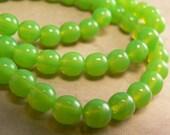 Mantis Opal Czech Glass Beads Lime Green Round Druk 6mm (30)