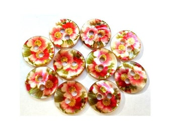 10 Shell buttons floral ornament beautiful design in unique green and red 11.5mm GREAT for button jewelry