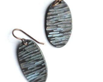 Wave earrings in brown and light blue