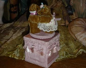 Vintage Teddy Bears Music Box With Display Globe