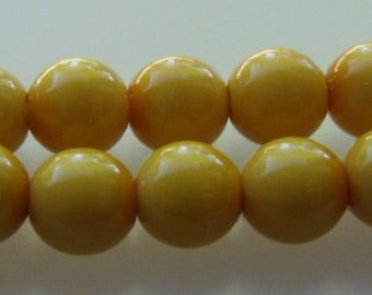 6mm Sunny Ochre, Mustard Yellow Pastella Czech Glass Beads, Round, Vintage Color, 30 Beads/Strand