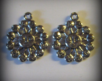 4 Silver Pewter Sun with the Zodiac Charms (qb62)