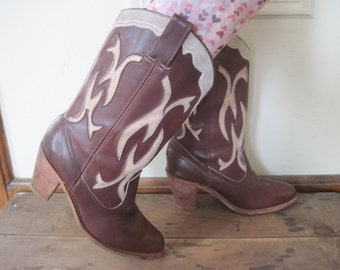 size 9.5 - heehaw, vintage Brown Leather Cowboy Boots with stacked wooden heel