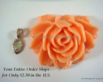 SALE - Peach Resin Cabochon Pendant Flower 45x34x17mm - Bail Included - 1 pc - MS11038P-P1-AG