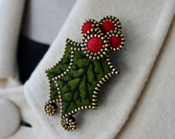 Felt and zipper Holly and berries brooch