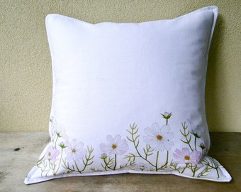 White and green linen pillow cover with daisies  16 x 16 - country style - floral pillow - shabby chic home decor - wild flower pillow
