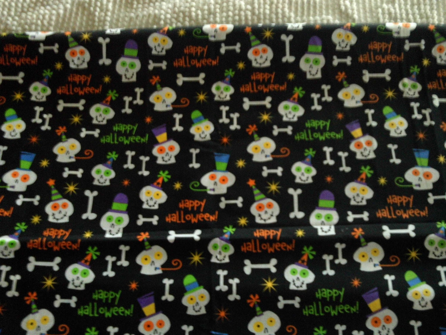 Childrens novelty quilt fabric halloween ghosts bones on for Kids novelty fabric
