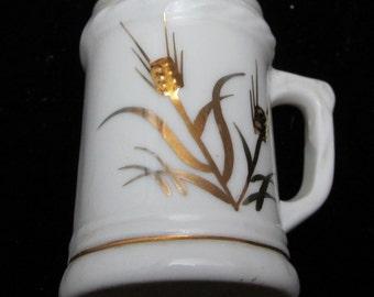 Gorgeous Minature Cup Bone China Japan Beautiful Gold Leafing