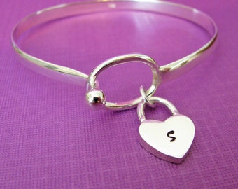 personalized bangle bracelet with heart dangle