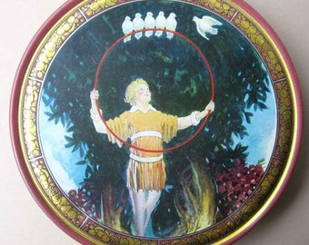Vintage 1930's Tin Button, Catchall Box,  Boy with White Doves on a Hoop, Medieval Scene, Fantasy Scene, Art Deco Container,  Tindeco  Box