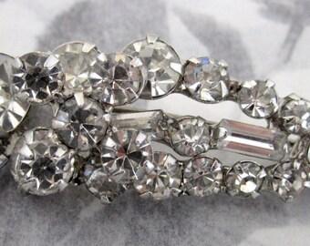 vintage prong set rhinestone brooch - j5346